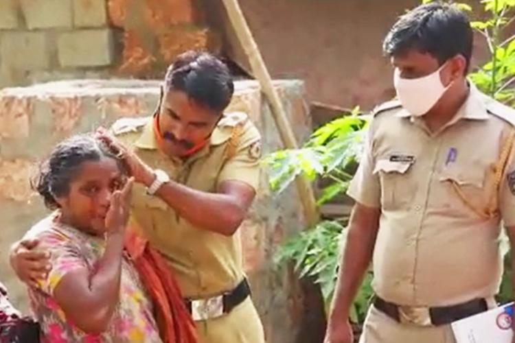 Kerala police personnel on field convincing on how they should cooperate with those who are on quarantine