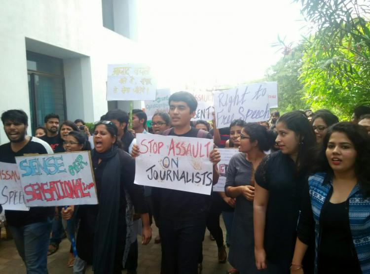Journalism students at Chennais ACJ show solidarity with JNU with a peaceful protest
