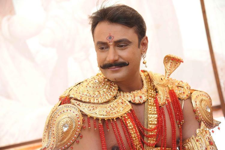 Darshan starts dubbing for Kurukshetra