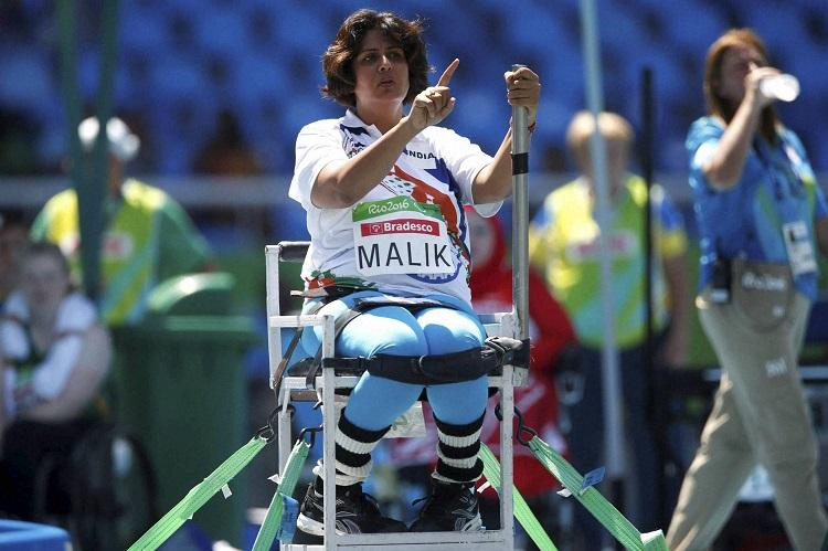 Paralympian Deepa Malik slams Vistara for ill-mannered crew on board airline issues apology