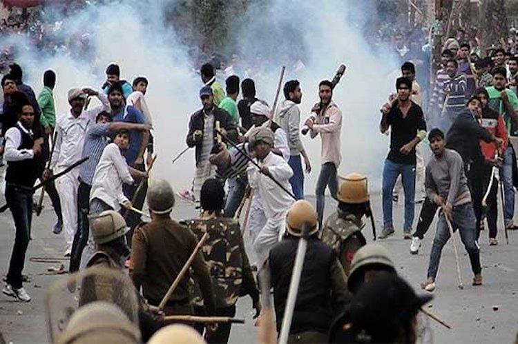 Army moves in to vacate Dera headquarters in Sirsa local residents angry at CM Khattar