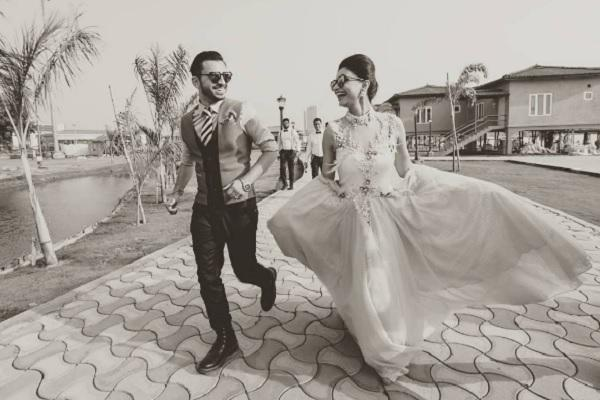Check out beautiful pictures from Dimpy Gangulys wedding