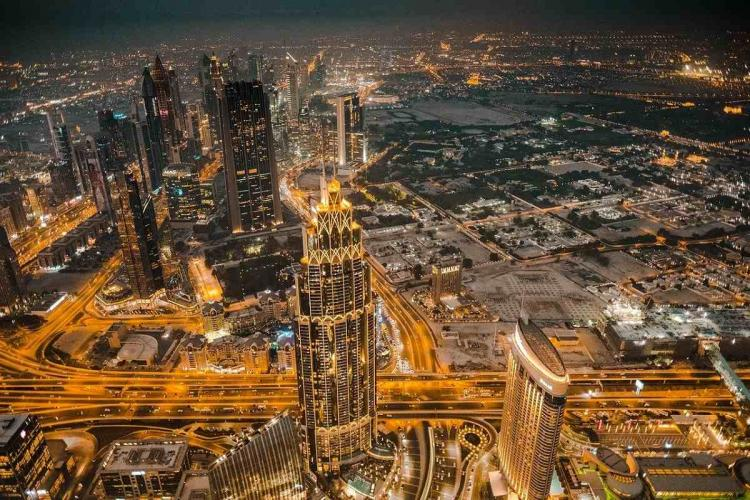 Dubai will now let people move there and work from home