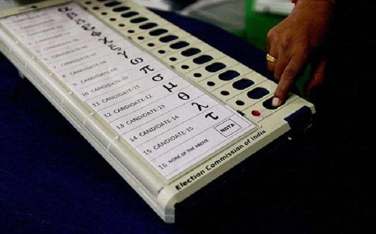At least 883 crorepatis 645 with criminal cases among Ktaka Assembly poll candidates