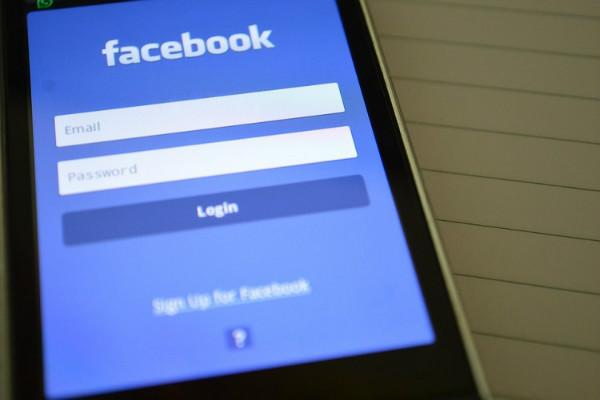 How to uncensor your Facebook News Feed
