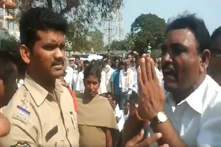Telangana farmers submit memo against proposed greenfield NH project in Khammam