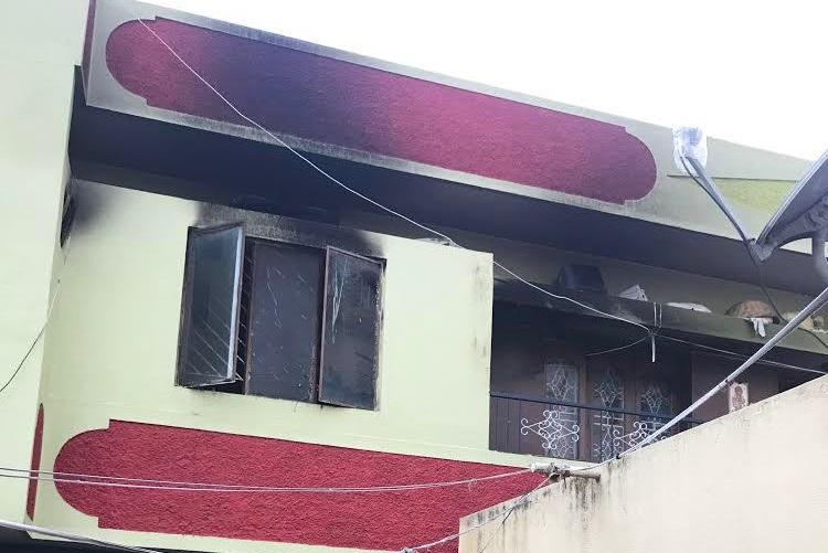6-yr-old killed in Bluru as unidentified man bolts house from outside sets it on fire