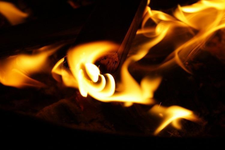 Bluru man allegedly locks up sons family and sets house on fire grandchild dies