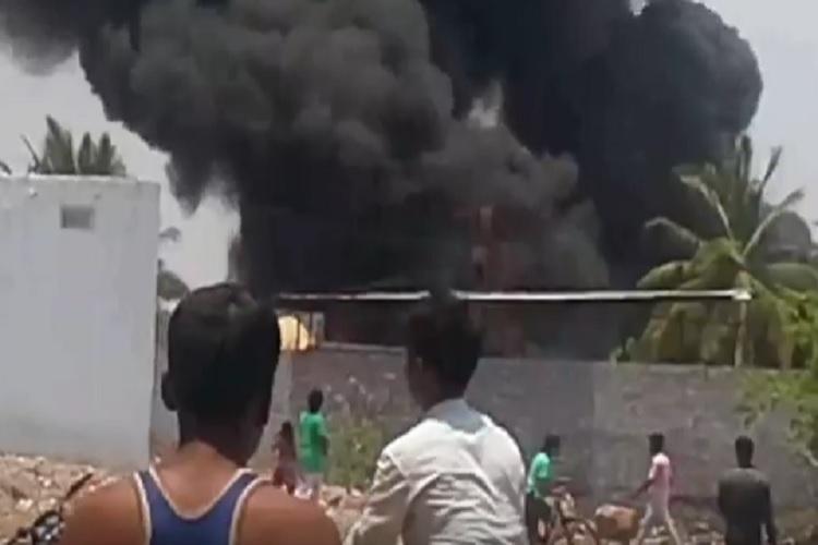 Video Dense smoke engulfs Hyderabad as fire breaks out in plastic godown