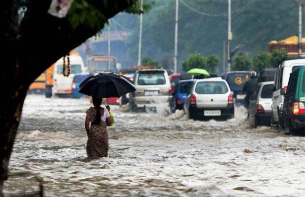 Heavy rain inundates Hyderabad roads IMD issues two-day warning