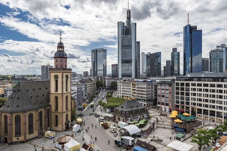 Germany 70000 evacuated in Frankfurt to defuse WWII bomb