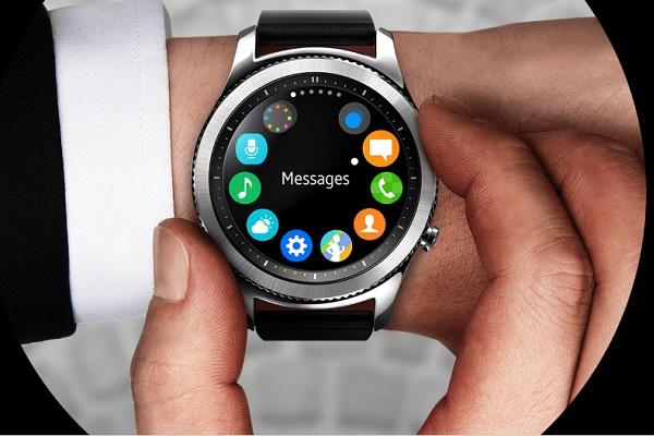 Samsung's next wearable will fuse smartwatch with fitness tracker