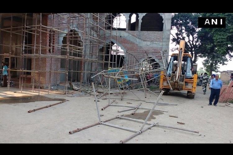 Kerala girl dies after iron rod falls in visitors gallery at India-Pak border