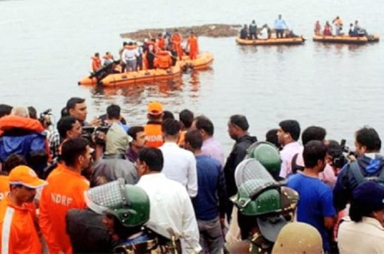 Boat with 61 onboard capsizes in Godavari River At least 11 dead several missing