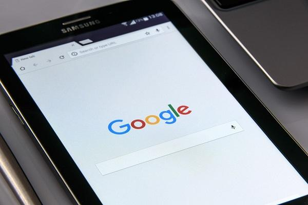 Google admits to tracking Android users phone location data