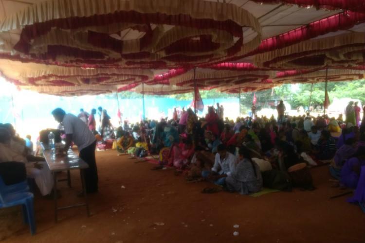 Govt abused temporary status denied basic rights Ktaka govt hostel workers protest