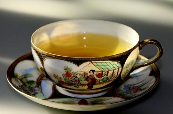 Another good reason to replace your coffee with green tea