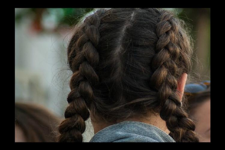 Kerala School Girl Shows Us How Its Done Hair Plaiting Cant Be