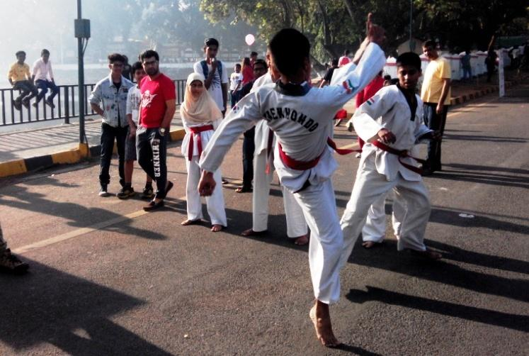 Thane takes to music and exercise to mark second Happy Streets