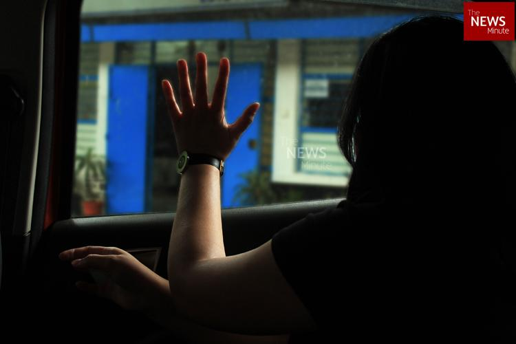 Bengaluru cabbie allegedly steals mans phone then harasses women from his contacts