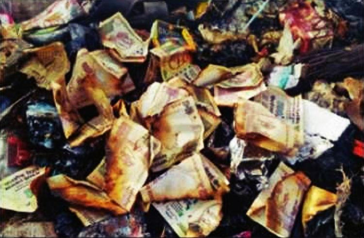 Old notes worth Rs 40000 set ablaze in Karnatakas Hassan district