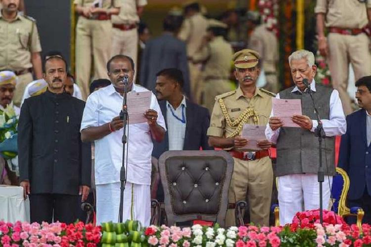 Gujarat invites Karnataka Governor CM for unveiling of Sardar Vallabhbhai Patels Statute of Unity
