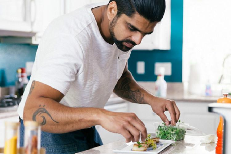 Lip-smacking Toddy Shop food in Las Vegas thanks to this Kerala 6-pack chef