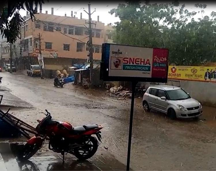 Hyderabad rejoices as sudden showers give some respite from the heat wave