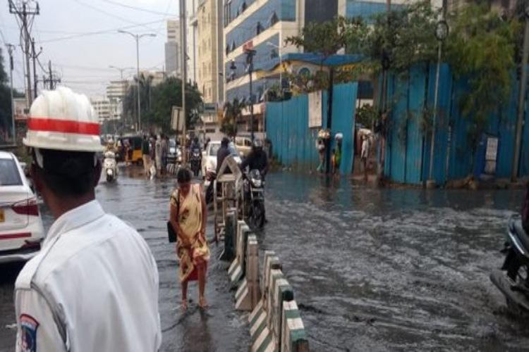 Parts of Hyderabad receive heavy rainfall massive traffic snarls in city