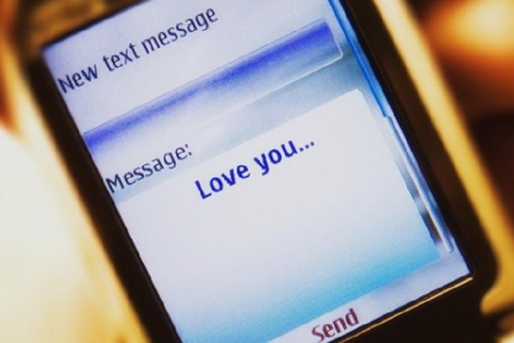 Prank I love you SMS by 15-yr-old causes violent group clash 7 injured 11 arrested