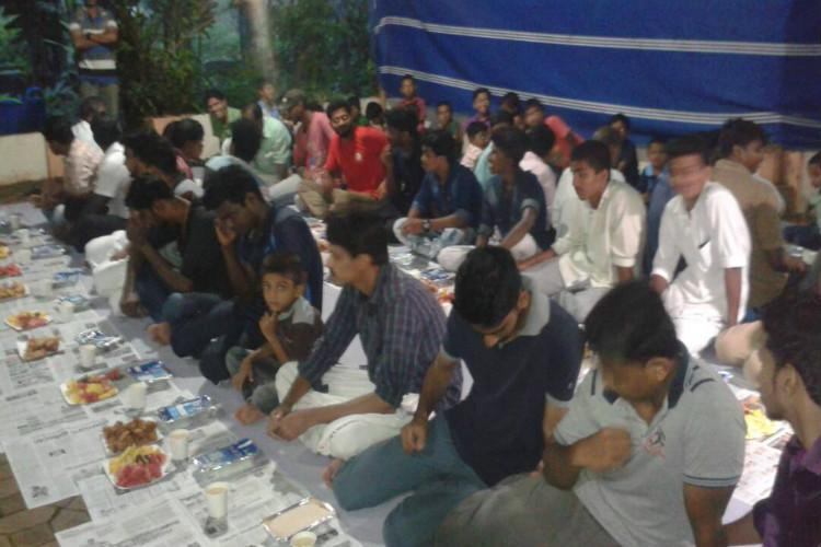 In a symbolic gesture Kerala temple hosts Iftar party for 400 Muslims
