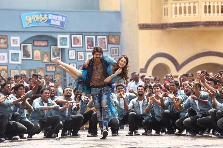 Distributors of Bairavaa issue legal notice to protesting theatre owners in Kerala