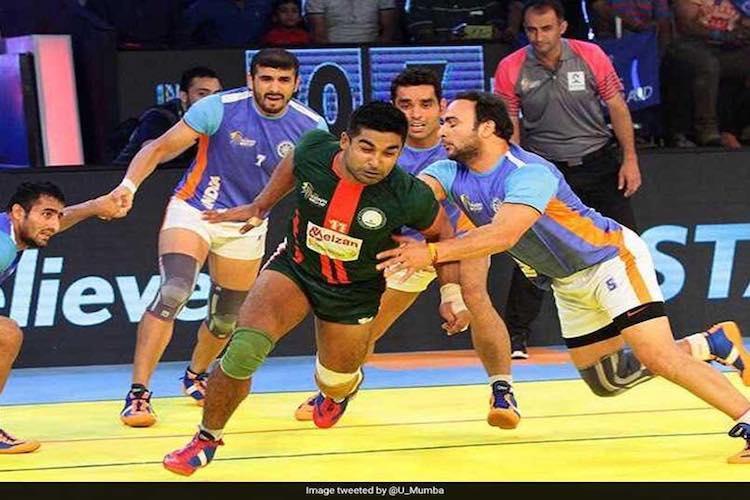 Kabaddi Masters India thrash lacklustre Pakistan to enter semis