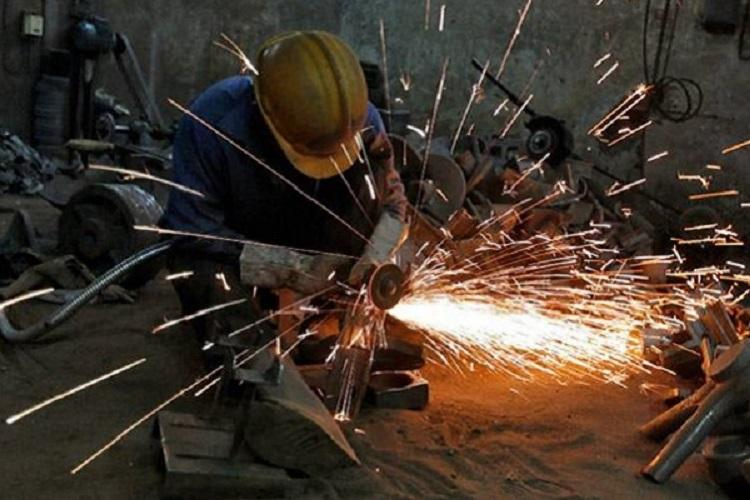 Fitch lowers Indias GDP outlook to 69 for 2016-17
