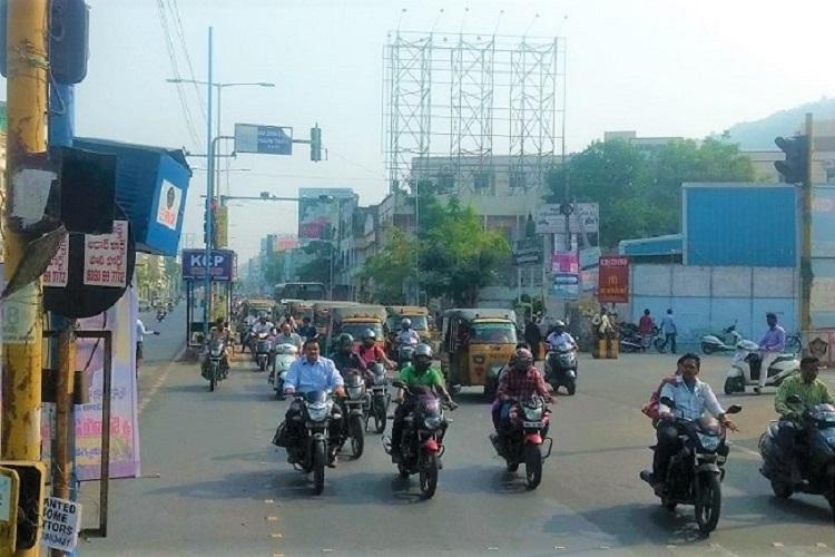 Amaravati effect 4 lakh more cars and bikes on Vijayawadas roads in just one year