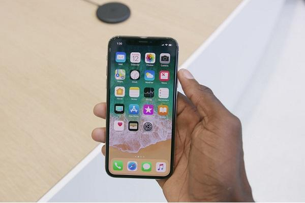 IOS 11.1.2 Update Will Fix iPhone X Cold Weather Unresponsiveness