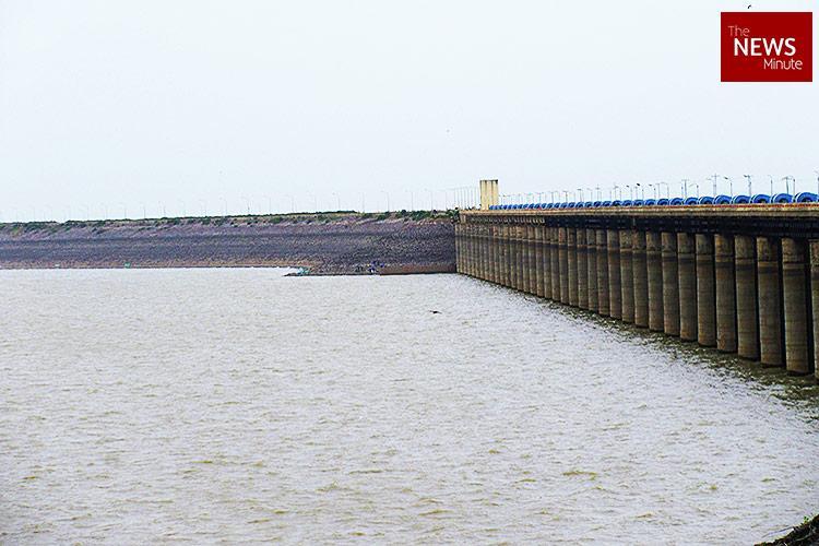 Rains lash Telangana but water levels stay low at Sriram Sagar dam leaving farmers worried