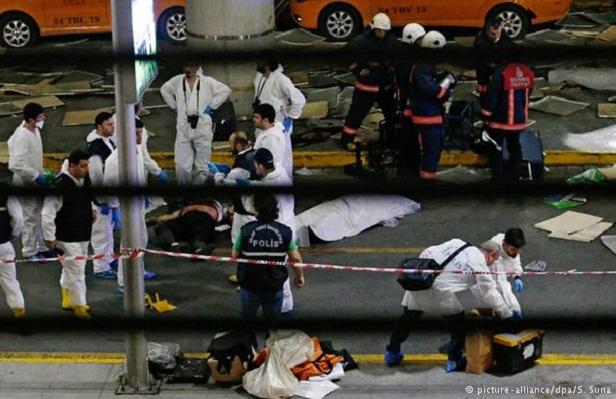 Many dead in Istanbul airport suicide attack Turkish officials say