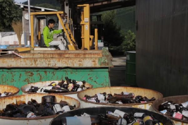 Watch How a Japanese town got rid of its trash problem by recycling 80 percent of its waste