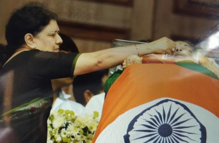 On Jayalalithaas final journey it is Sasikala and her family all around her