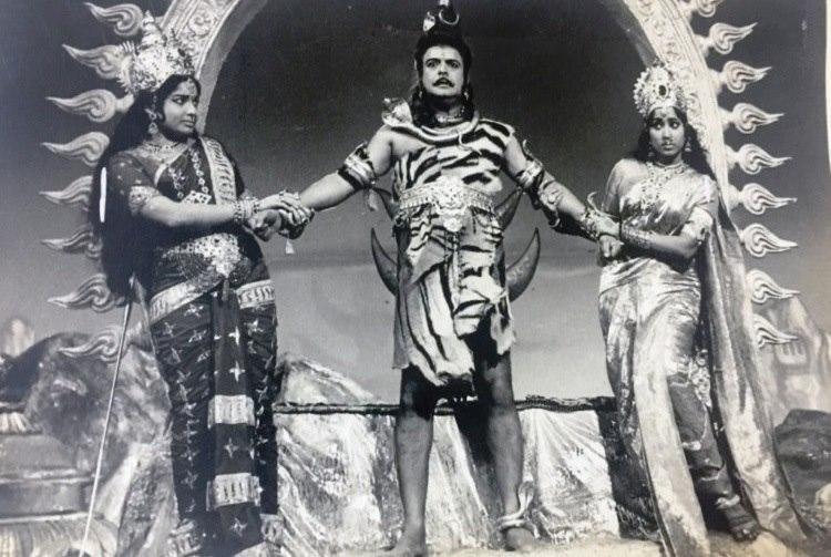 Proud Tamilian born in Karnataka Jayalalithaa had a long history with Kannadiga activists