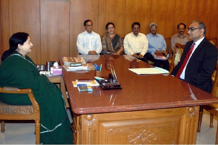 Jayalalithaa is an attractive sherni I am in love with says Markandey Katju