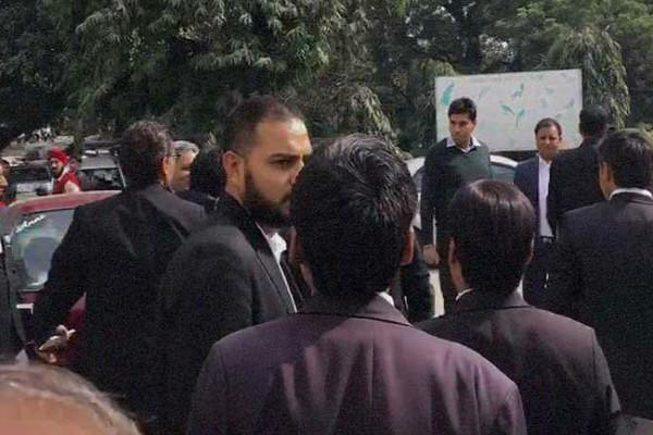 Patiala House court turns into battle zone as group of lawyers attack JNU students and faculty