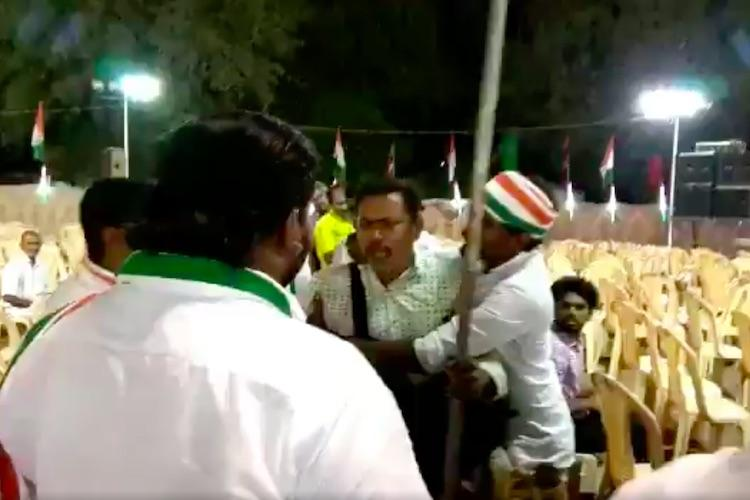 Photojournalist attacked at Cong rally allegedly for clicking pictures of empty chairs