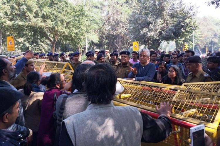 Lawyers assault journalists again at Patiala House court after Mondays protest march