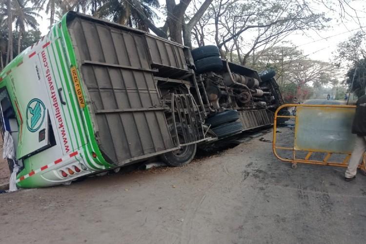 One woman dead 15 injured after Bengaluru-Kozhikode bus topples near Mysuru