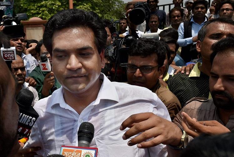 Day after suspension AAP leader Kapil Mishra challenges Kejriwal to a poll battle