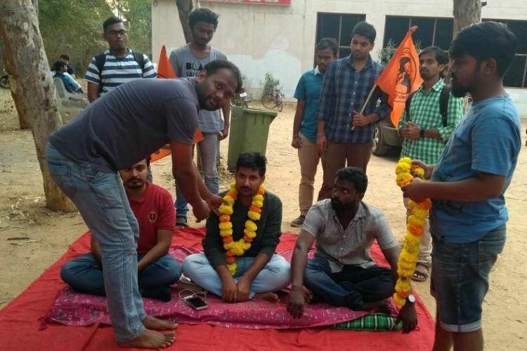 ABVP leader rusticated for abusing UoH professor launches relay hunger strike