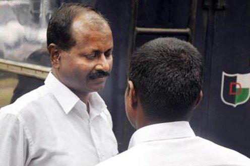 Will Achutanandan avoid campaigning for murder accused CPIM candidates Karayi brothers
