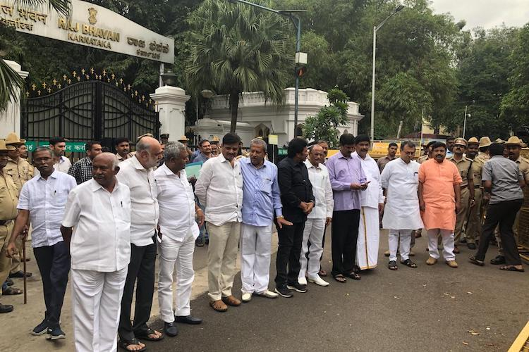 After dramatic arrival at Vidhana Soudha 10 rebel MLAs rushed back to Mumbai